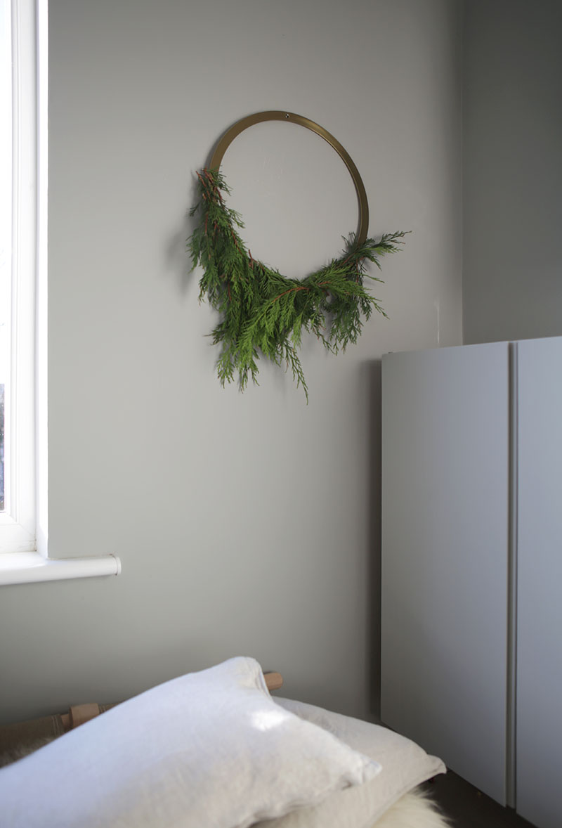Cooee Design A brass wreath 3 ways Via Ollie & Sebs Haus