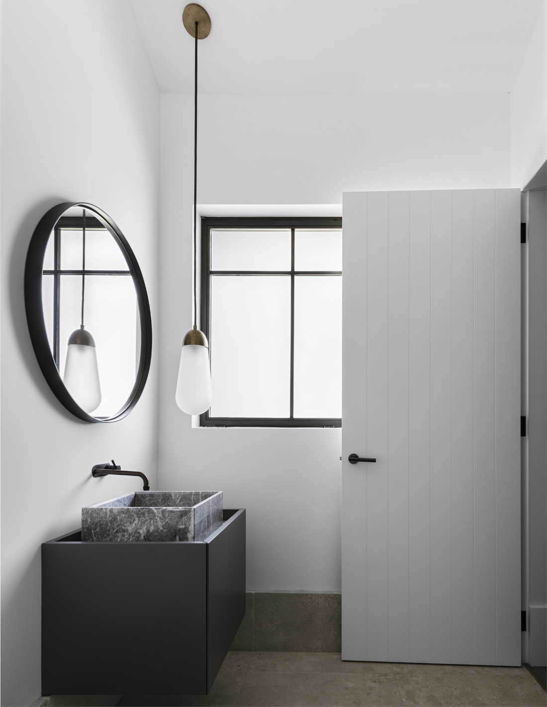 Small budget bathroom via Ollie & Sebs Haus